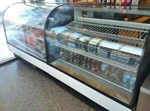 True Curved Glass Bakery Cases Tcgd 50 refrigerated Tcgr 59