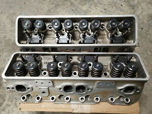 2 Edelbrock Performer Cylinder Heads 60859 Pair Used Chevy Small Block Sbc 350