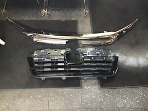 Mint Condition 2017 2020 Honda Ridgeline Front Grille Oem