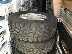 4 Gently Used Cooper Discovery Mud Terrain 285 70r 17 Tires With Rims