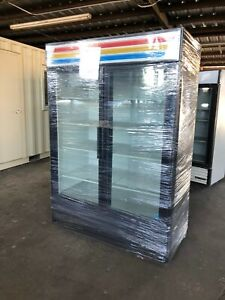 True Gdm 49 Glass 2 Door Beverage Merchandiser Reach In Refrigerator Cooler Nice
