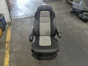 2014 Freightliner Cascadia Left Seat Air Ride