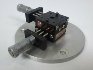 Daedal 2 axis Small Xy Positioner Stage W Micrometers 10mm Travel Distance