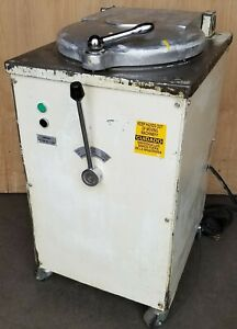 Nussex Bertrand D 20 2 Hp Hydraulic Commercial 20 Piece Automatic Dough Divider