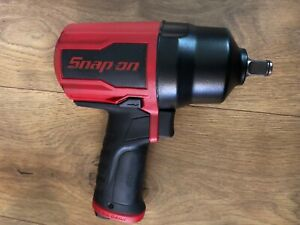 New Snap On Pt850 1 2 Drive Air Impact Wrench W Cover Un used
