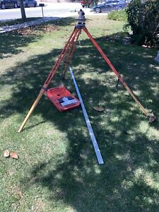 David White Auto Level Al6 18 With Stand And David White 7703 Aluminum Rod