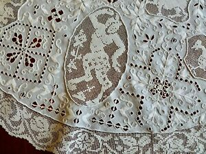 Vintage Italian Figural Centerpiece Topper Reticella Needlelace Filet Lace