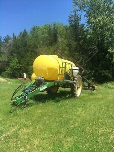 Shaben 1000 Gallon Sprayer With 60 booms no Issues Call 402 920 0766 With s