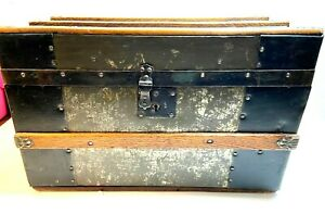 Small Antique Flat Top Primitive Steamer Railroad Wood Slat Trunk Chest