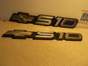 Chevy S 10 Emblems Bowtie Gm Oem Badge S10 Lot Of Two 94 97 15629983