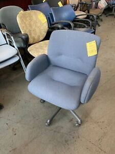 Heavy Duty Chair W Casters By Steelcase Model 454 Weight Capacity Up To 350lbs