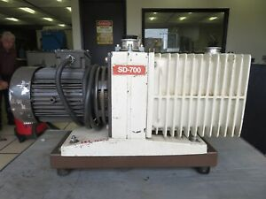 1 1 2 Hp Varian Two Stage 240 Volt Vacuum Pump Model Sd 700