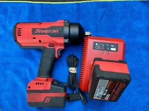 Snap on Ct9075 Cordless Impact Wrench 1 2 Drive W 2 Battery And Charger