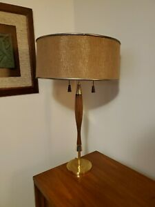 Vintage Mid Century Modern Laurel Wood Brass Table Lamp W Shade 29