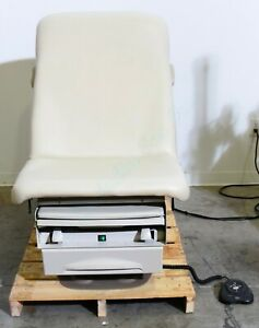 Midmark 223 Barrier Free Power Exam Table With Footswitch Ritter 223 016