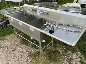 Stainless Steel 82 X 30 Heavy Duty 3 Compartment Sink W 2 Faucets Overspray