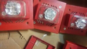 Lot Of 4 Fire Alarm Strobe Light Horn Signal Device Part U hnh S17 Used Part
