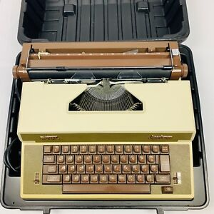 Royal Vintage Business Electric Typewriter Model Academy With Original Case