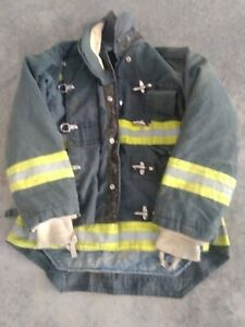 Globe Firefighter Jacket Turn Out Gear 42c 28 34l 33s Good Used Condition