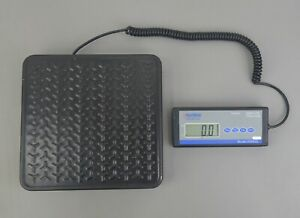 Global Industrial 300625 Portable Digital Shipping Scale 400lb X 0 5lb Capacity
