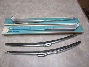 Corvette Windshield Wiper Arms And Blades 1966 1967 Nos Gm 3915861 3915862
