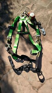 Miller Fall Protection Harness With Minilite Retracting Fall Limiter