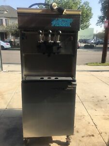 Electro Freeze Soft Serve Frozen Yogurt Ice Cream Machine Model 30tn cab 132