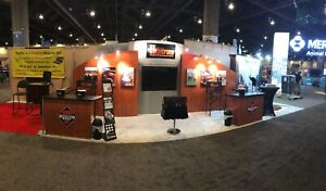 Professional 10 X 20 Wood Silver Modular Trade Show Display Booth W tables