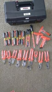 Cementex insulated 30 Piece Basic Electrician Tool Kit brand New