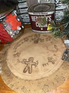 Primitive Grungy Christmas Winter Gingerbread Man Hearts Cookies Candle Mat