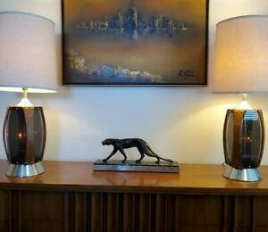 Pair 2 Vtg Mid Century Modern Walnut Lucite Plexiglass Table Lamps