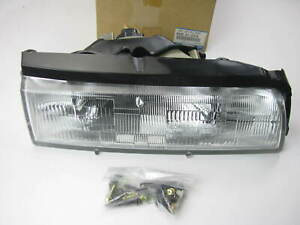 New Oem Mazda 8bge51030a Headlight Head Lamp Right Side 1988 1992 Mazda 626