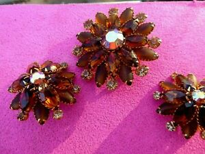 SIGN VINTAGE JUDY LEE SET AMBER MULTI LAYER RHINESTONES FROST AND CLEAR PIN EARR $19.99