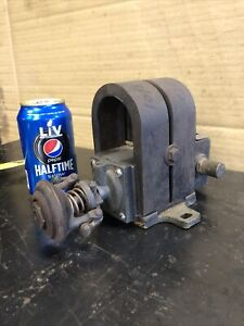 Antique Montgomery Wards Friction Drive Magneto Hit Miss Engine
