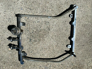 Ford 4 6l Crown Victoria Fuel Rail Return Style With Regulator