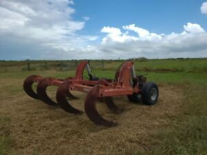 Subsoiler With 7 X 33 Shanks