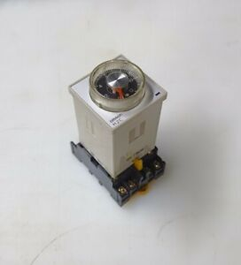 Omron H2c r Timer 0 120 Seconds W omron P2cf 11 Din Rail Mounting Base