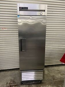 1 Door Freezer Upright Reach In Single Solid Stainless Steel True T 23f 5405