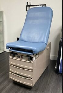 Exam Table Midmark 304 With Stirrups Great Condition