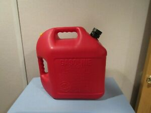 Vintage Blitz 5 Gallon Gas Cans Model 11830 11833 two