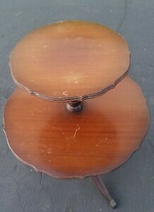 Vintage Weiman Heirloom Quality Two Tier Dumbwaiter Round Table Illinois Usa