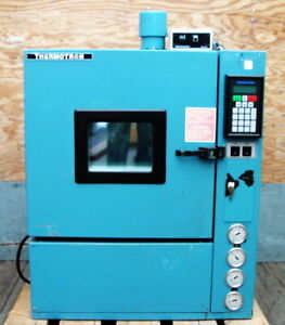 Thermotron S 1 2c Environmental Temperature Test Chamber