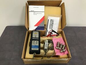 Tektronix P5205 100 Mhz High voltage Differential Probe With Accessories