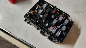 2009 2010 Chevy Cobalt Coupe 4dr Underhood Fuse Box Control Relay Power