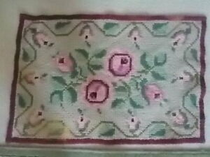 Vintage Area Rectangular Wool Rug 32 X22 Hand Hooked Shabby Chic Cottage Roses