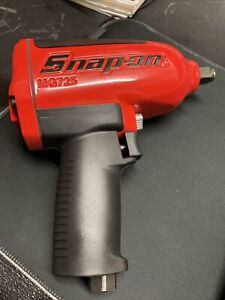 Snap On 1 2 Drive Heavy duty Air Impact Wrench red Mg725