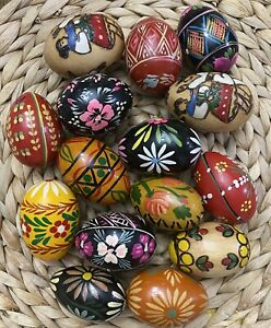 Collectible Lot Of 15 Decorative Hand Painted Wood Eggs Polish Ukraine Russian