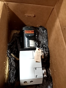 Leybold D16b 91463 1 Dual Stage Rotary Vane Vacuum Pump Baldor Reconditioned