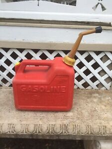 Vintage Chilton 2 1 2 Gallon Model P25 Pre ban Vented Gas Can Made In Usa