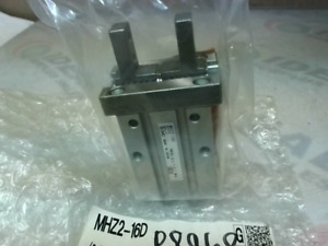 Smc Mhz2 16d Pneumatic Parallel Air Gripper Cylinder New In Box